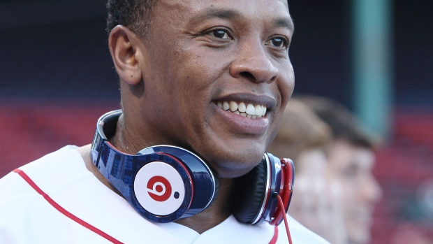 Apple set to buy Dr. Dre's  Beats headphone company for $3B: reports