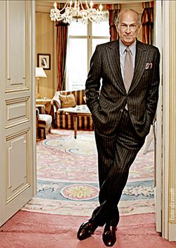 Fashion designer Oscar de la Renta dead at 82